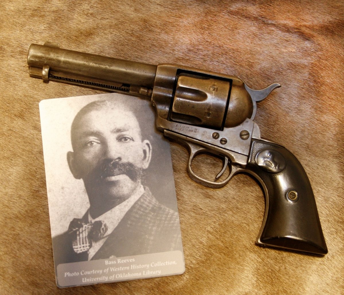 outdoorhub-4-revolvers-famous-lawmen-outlaws-old-west-2015-04-17_20-23-58.jpg