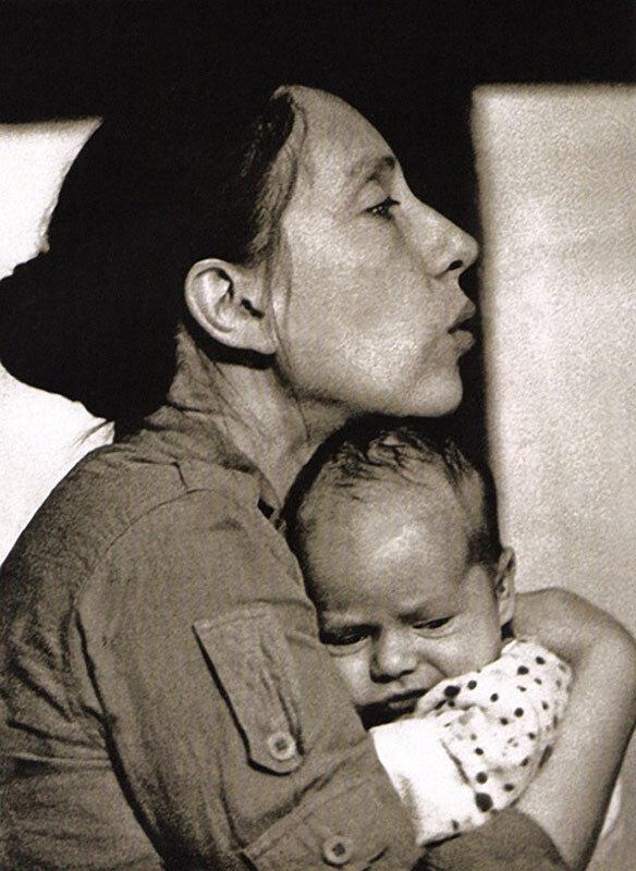 Смотреть домашний архив фото молодой семьи 3 фотография