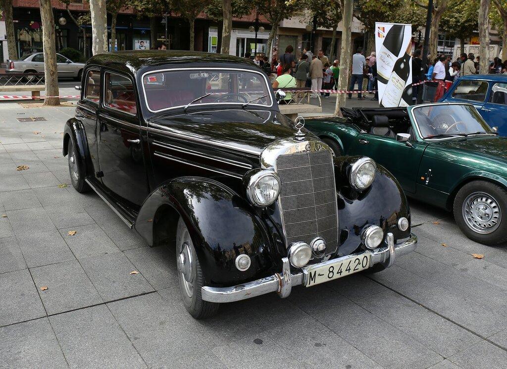 Парад ретроавтомобилей в Логроньо