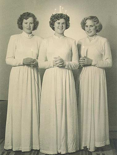 Lucia Bride Gun-Britt Nygård (married Åminne) with Greta Heselius and Inga-Britt Solvin.
