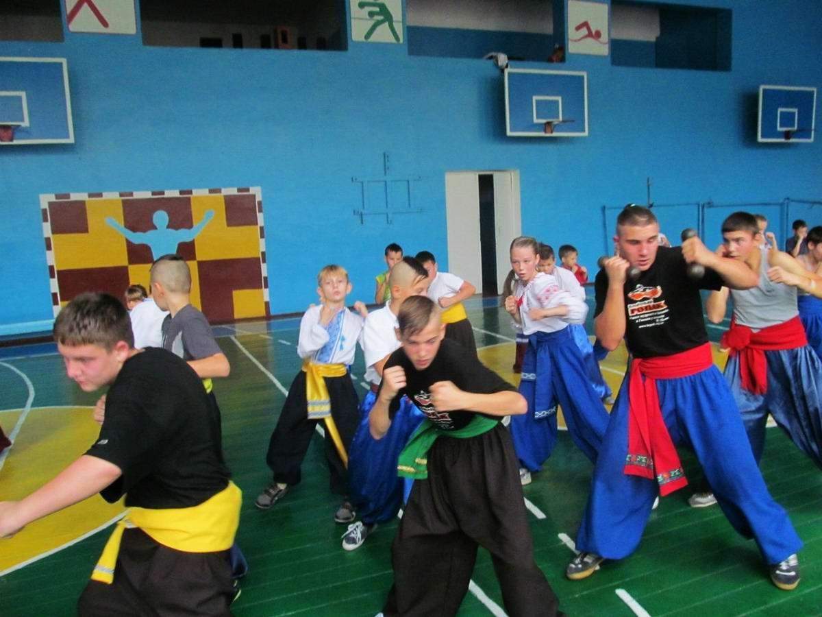 Квалификационный групповой экзамен в школе боевого гопака города Нетешин (Хмельницкая область) (21)