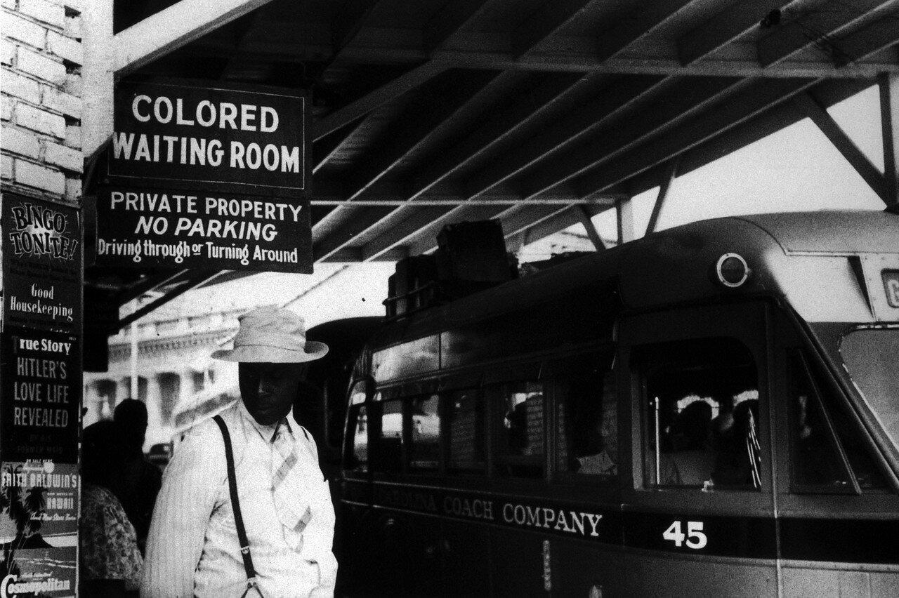 1940. Май. Расовая сегрегация. Автовокзал, Дарем, Северная Каролина