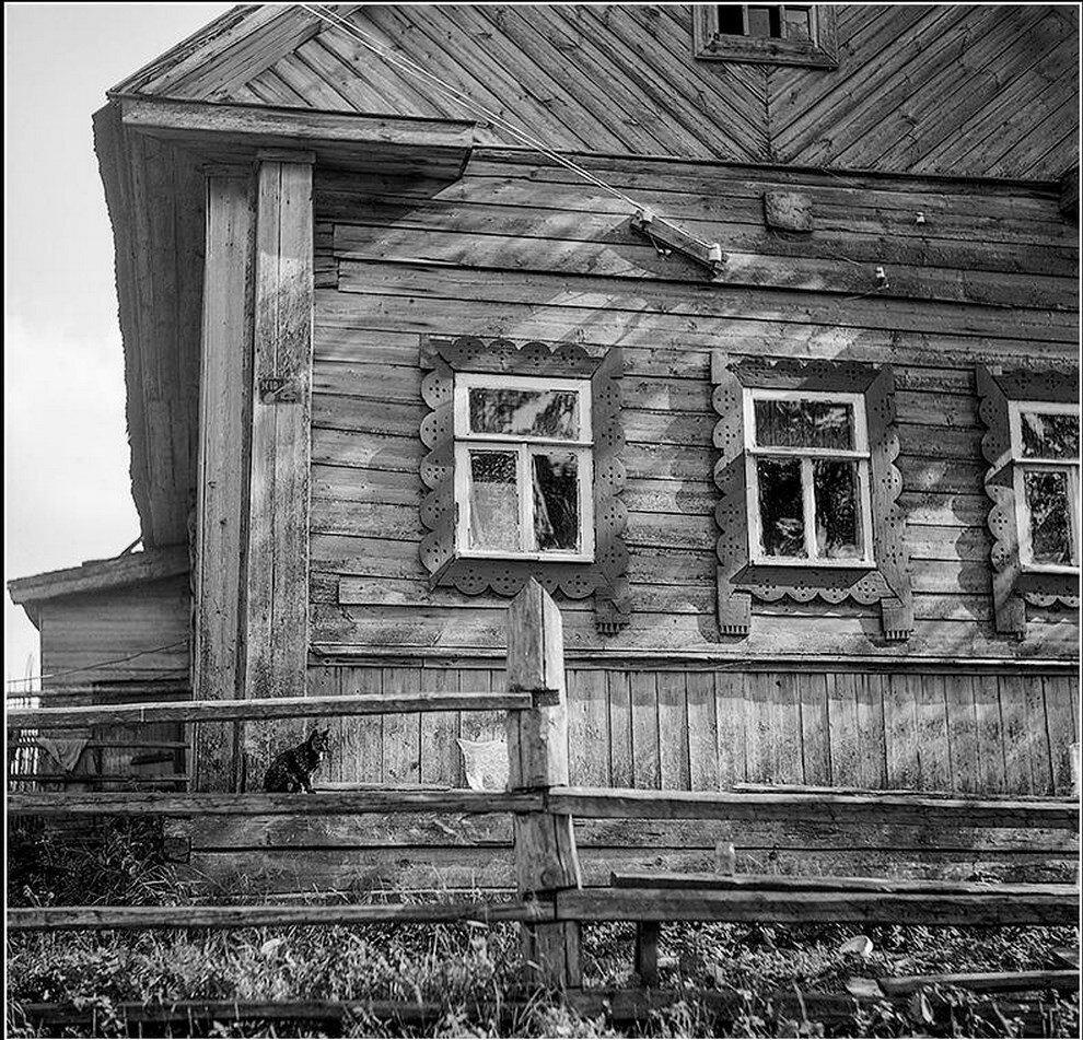 Наличники на окнах деревянного дома