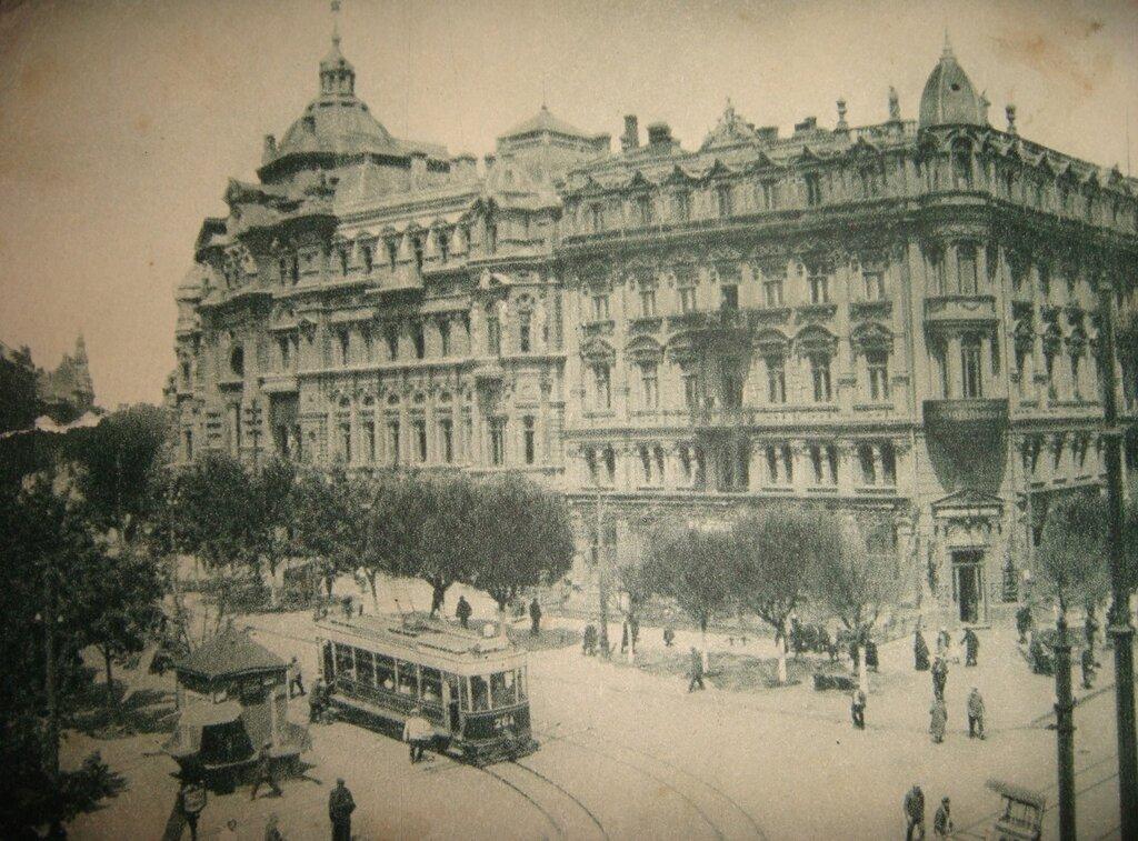 Dom Russova in Odessa, 1920s.jpg