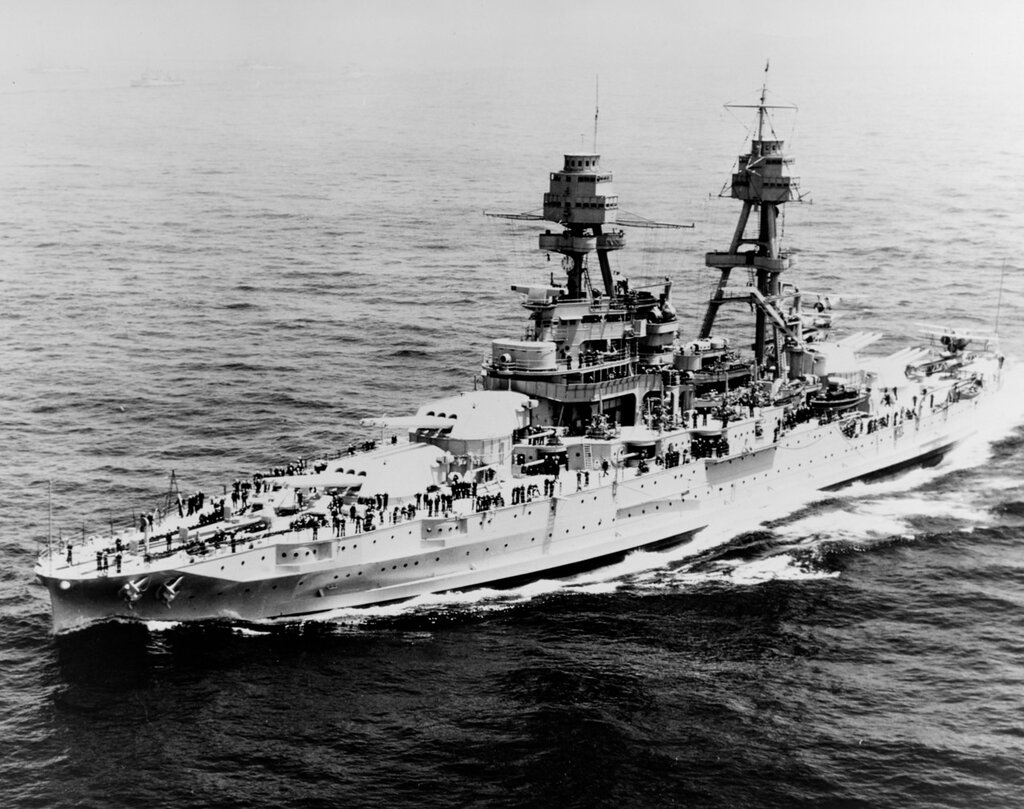 USS Pennsylvania (BB-38). Underway off New York City during the Naval Review before President Franklin D. Roosevelt, 31 May 1934