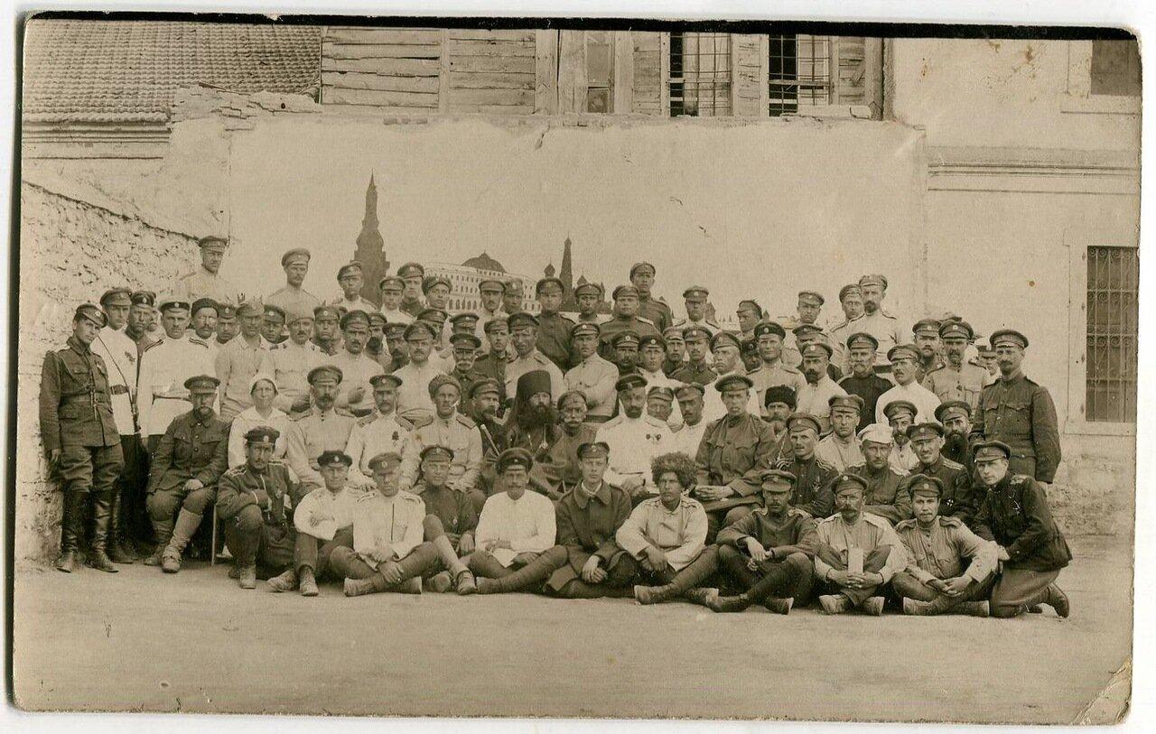 1921. Генерал Кутепов в кругу соратников в Галлиполи