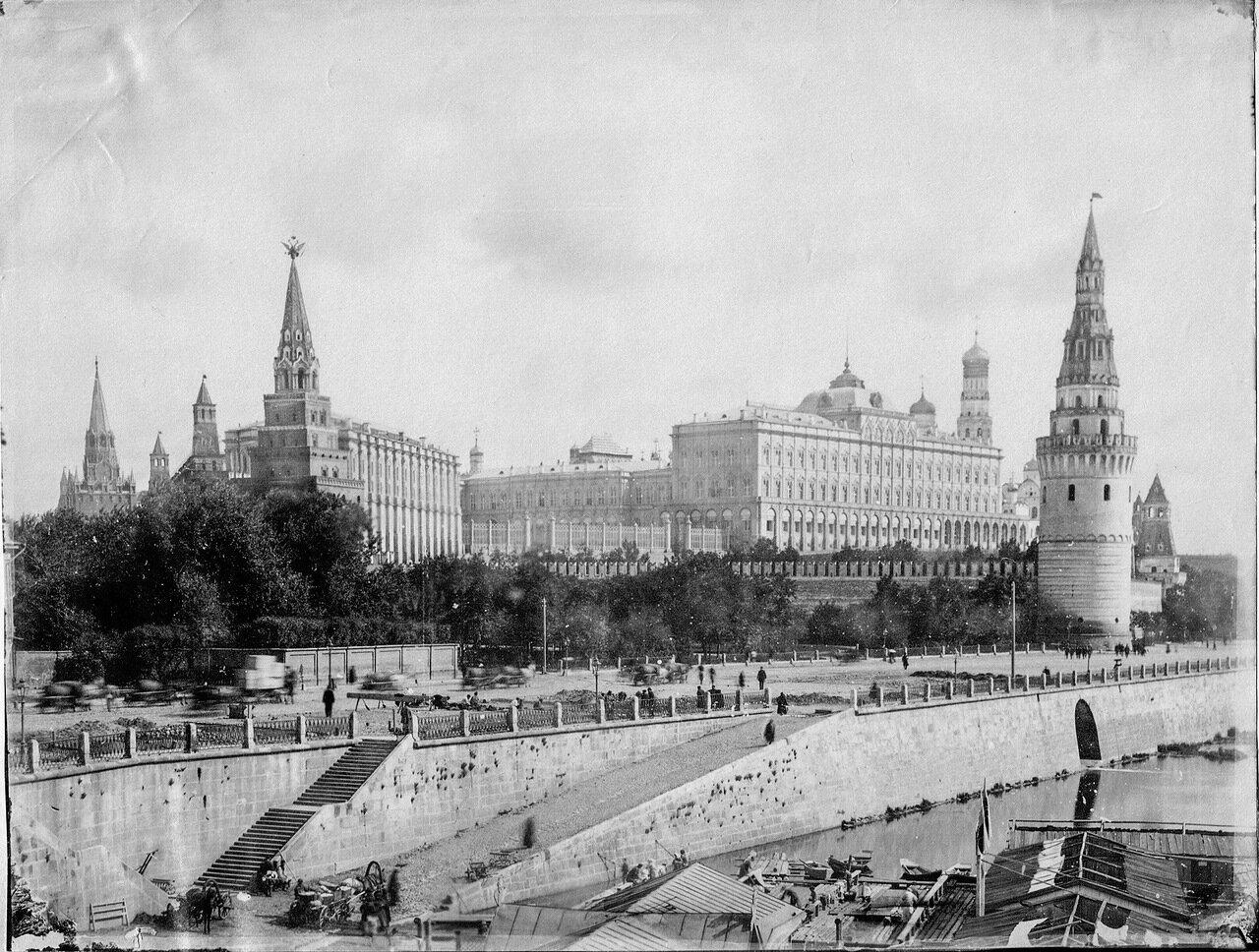 53.  Вид Кремля