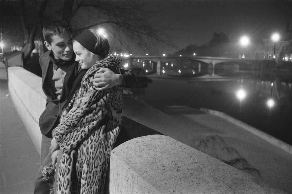 Ален Делон и Роми Шнайдер  на Сене после спектакля.