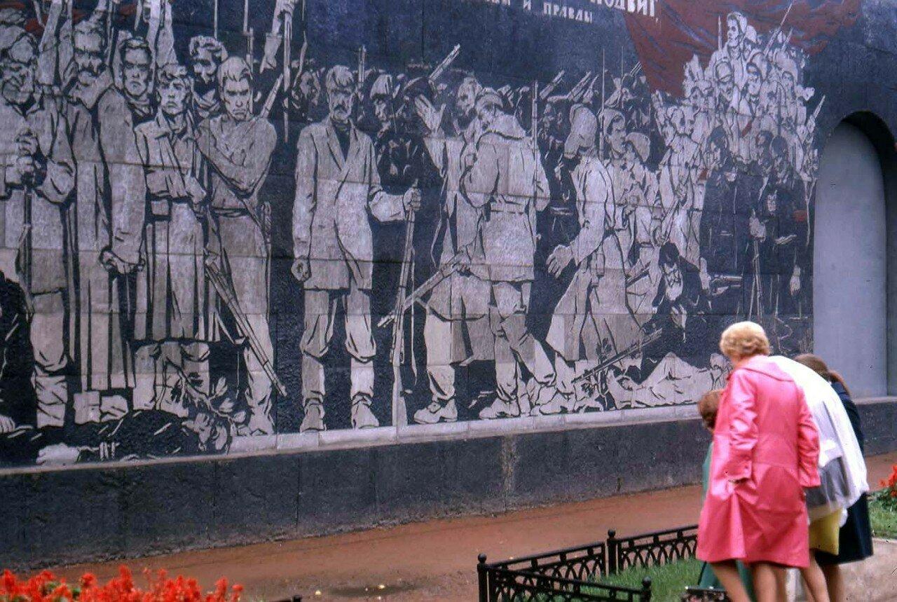28. Новосибирск. Памятник жертв революции