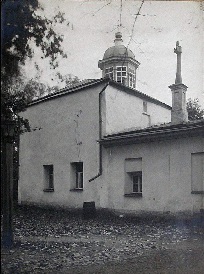 Покровская церковь у Покровской башни