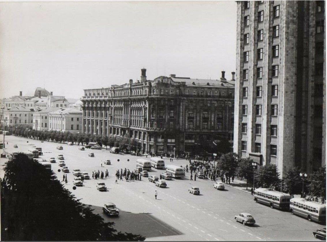 1956. Вид из гостиницы Москва