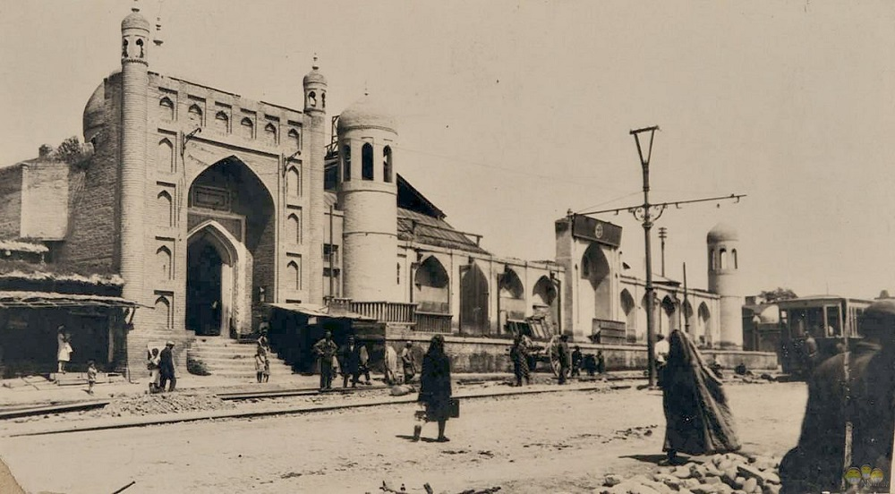 Ворота в Ташкент.jpg