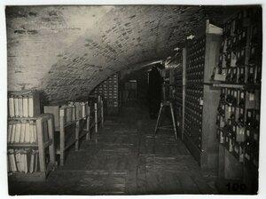 Каталоги, перемещенные в подвал. Зима 1941-42