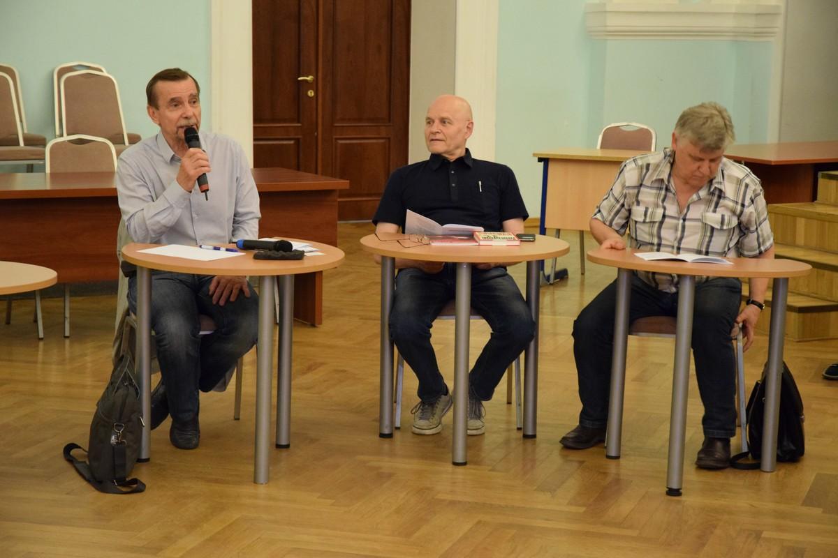 Лев Пономарев и Михаил Шнейдер