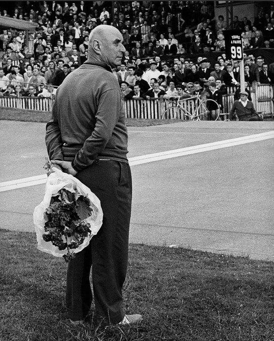 1959. Букет победителю