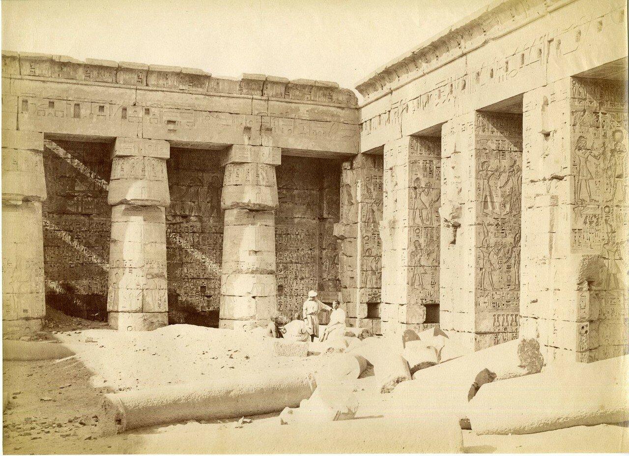 Мединет-Абу. Второй двор Великого Храма Рамсеса III