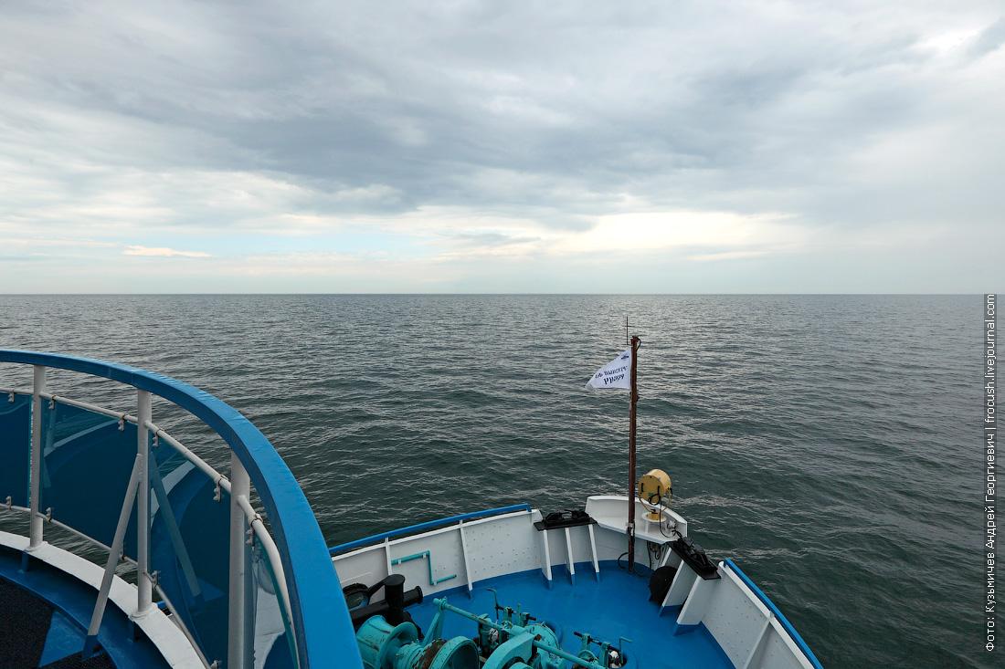 теплоход Русь Великая идет в Казахстан по Каспийскому морю