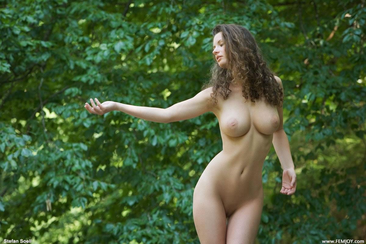 golie-devki-erotika