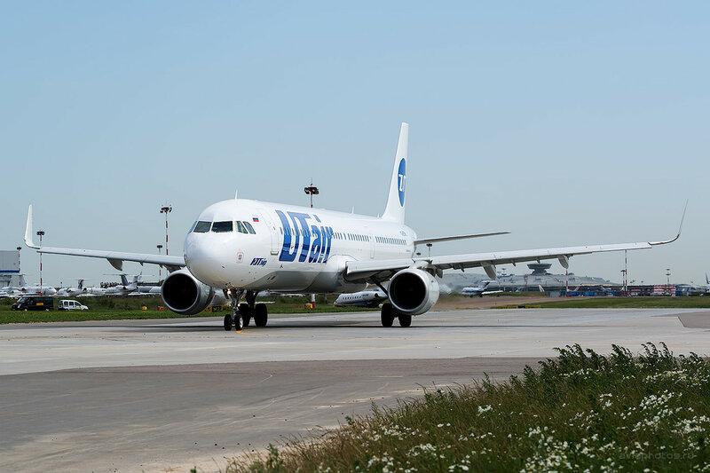Airbus A321-211 (VQ-BTW) ЮТэйр D806271a