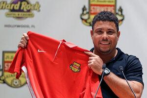 Футболист Роналдо решил вернуться в большой спорт в 38 лет