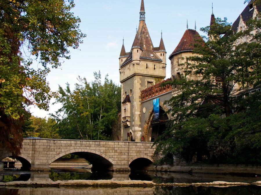 Замок Вайдахуняд. Городской парк Будапешта
