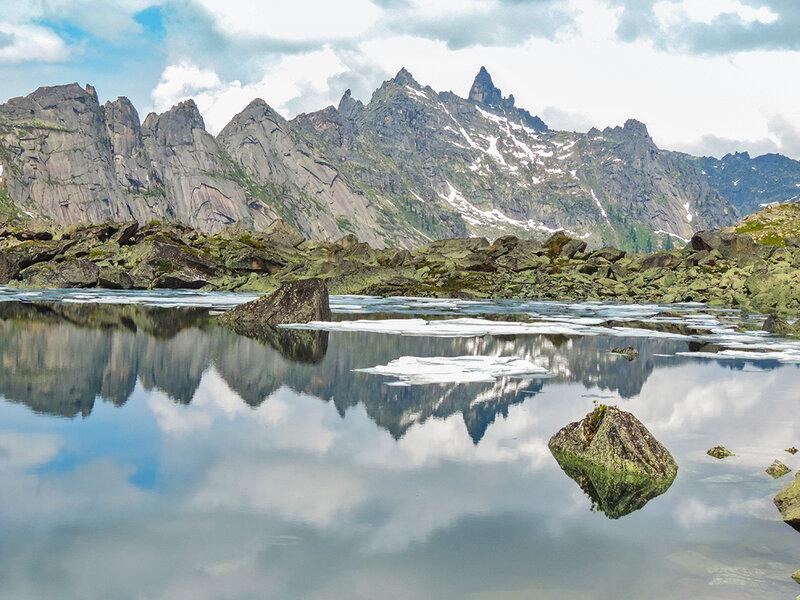 Горы и отражения