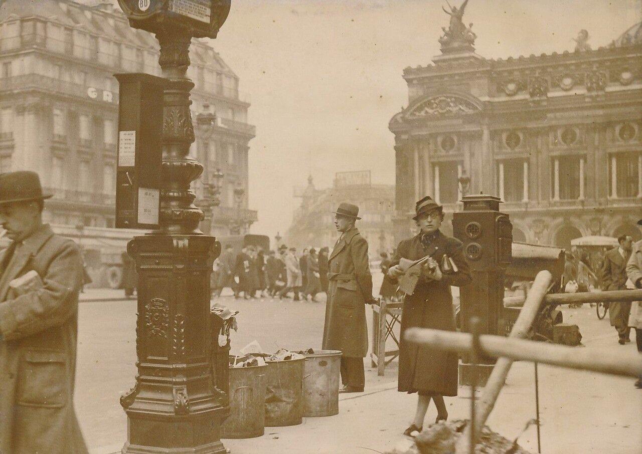 1937. Забастовка мусорщиков на площади Оперы
