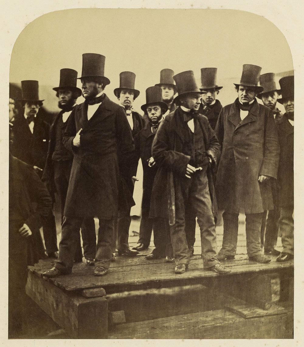 1857. Изамбард Кингдом Брюнель и другие наблюдают за спуском на воду колоссального полностью металлического парохода «Левиафана», переименованного после в «Грейт Истерн»