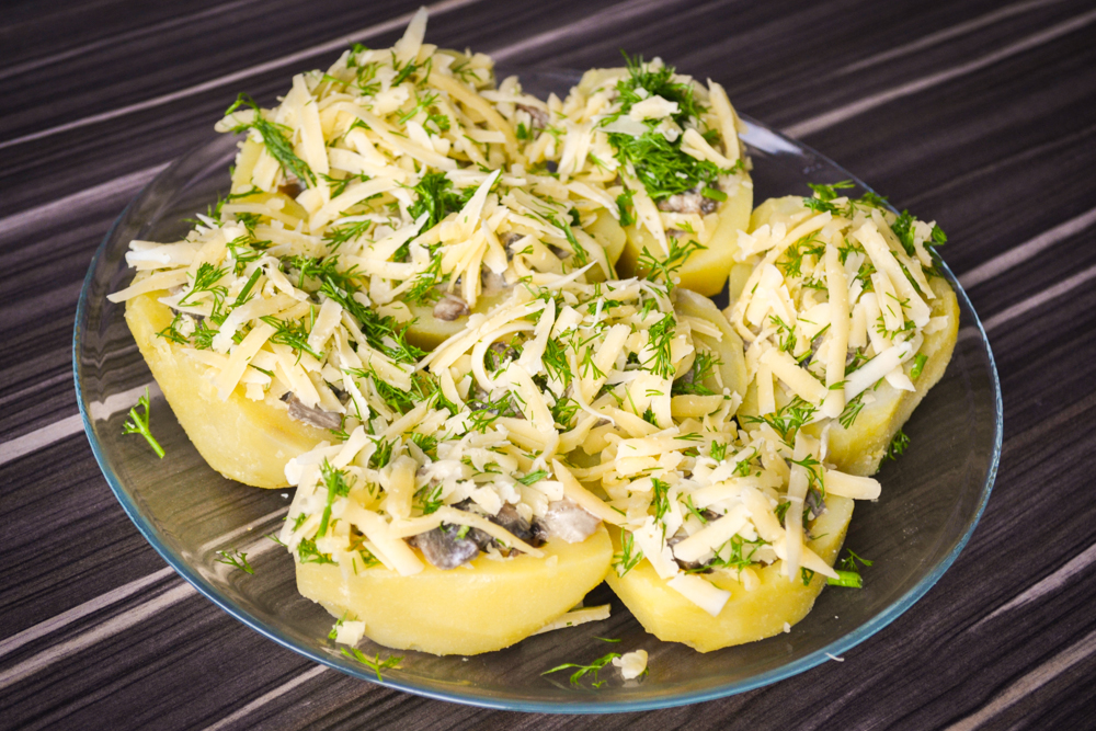 картофельные лодочки с грибами и сыром рецепт с фото