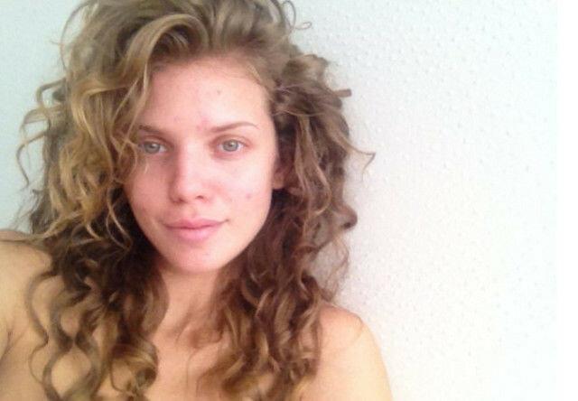 Селфи знаменитых красоток без макияжа