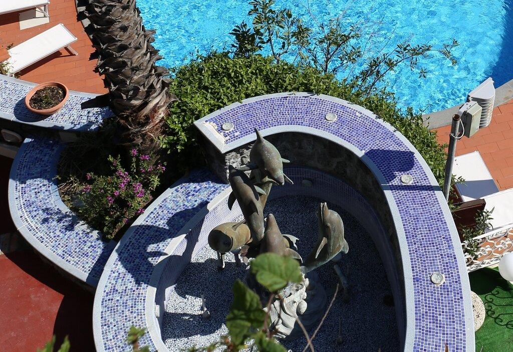 Delfini Strand Hotel Terme & Beauty 4*. Ischia