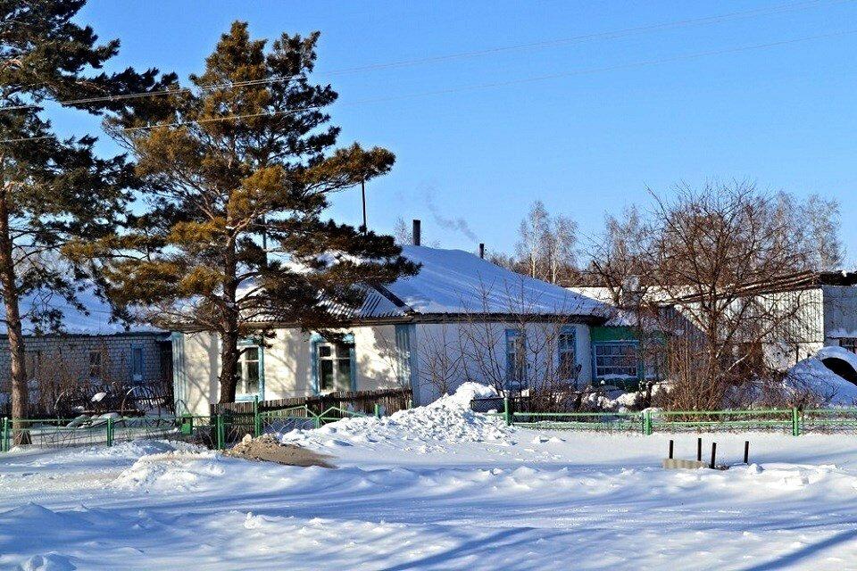 деревенский дом зимой