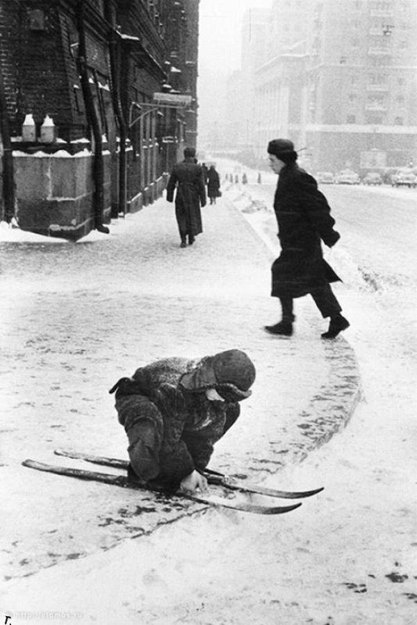 Лыжник на Красной площади, 1960-е