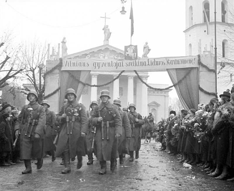 Красная Армия в Таллине.