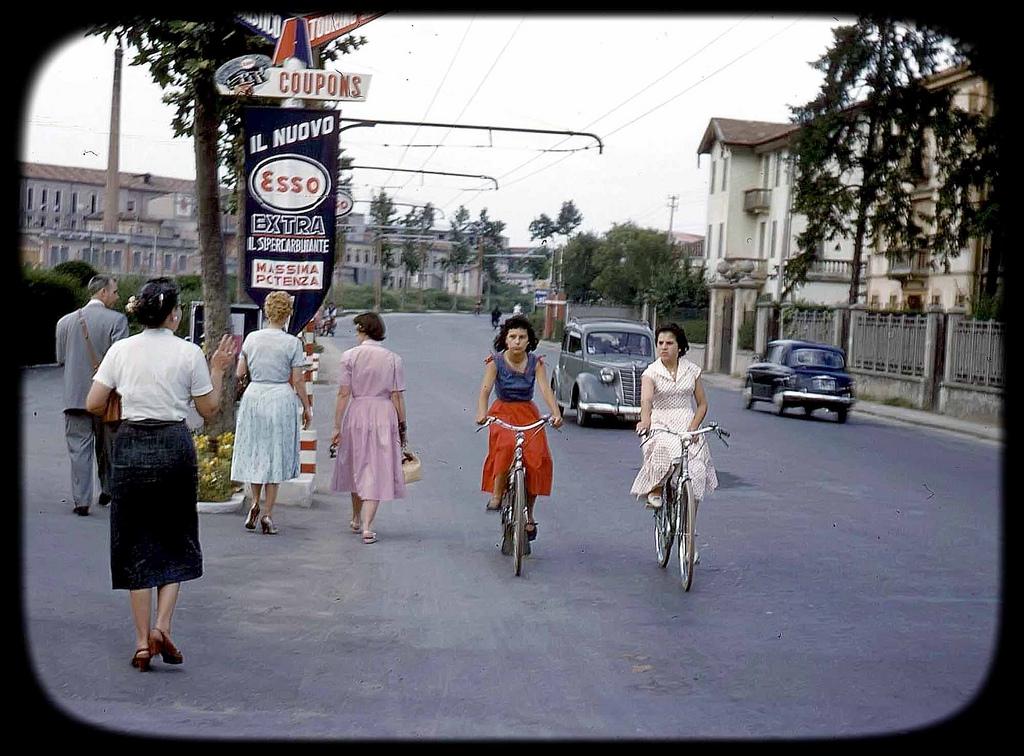 1950s Italian Girls on Bikes.jpg
