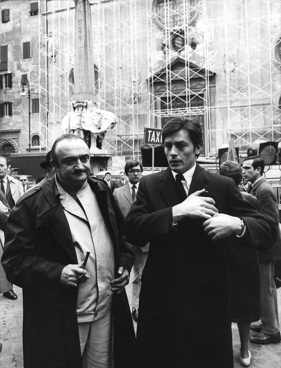 1969. На съемках фильма «Сицилийского клана» с режиссером Анри Вернёй