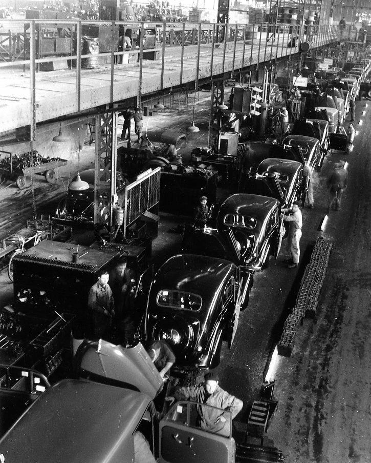1945. Сборочная линия Рено