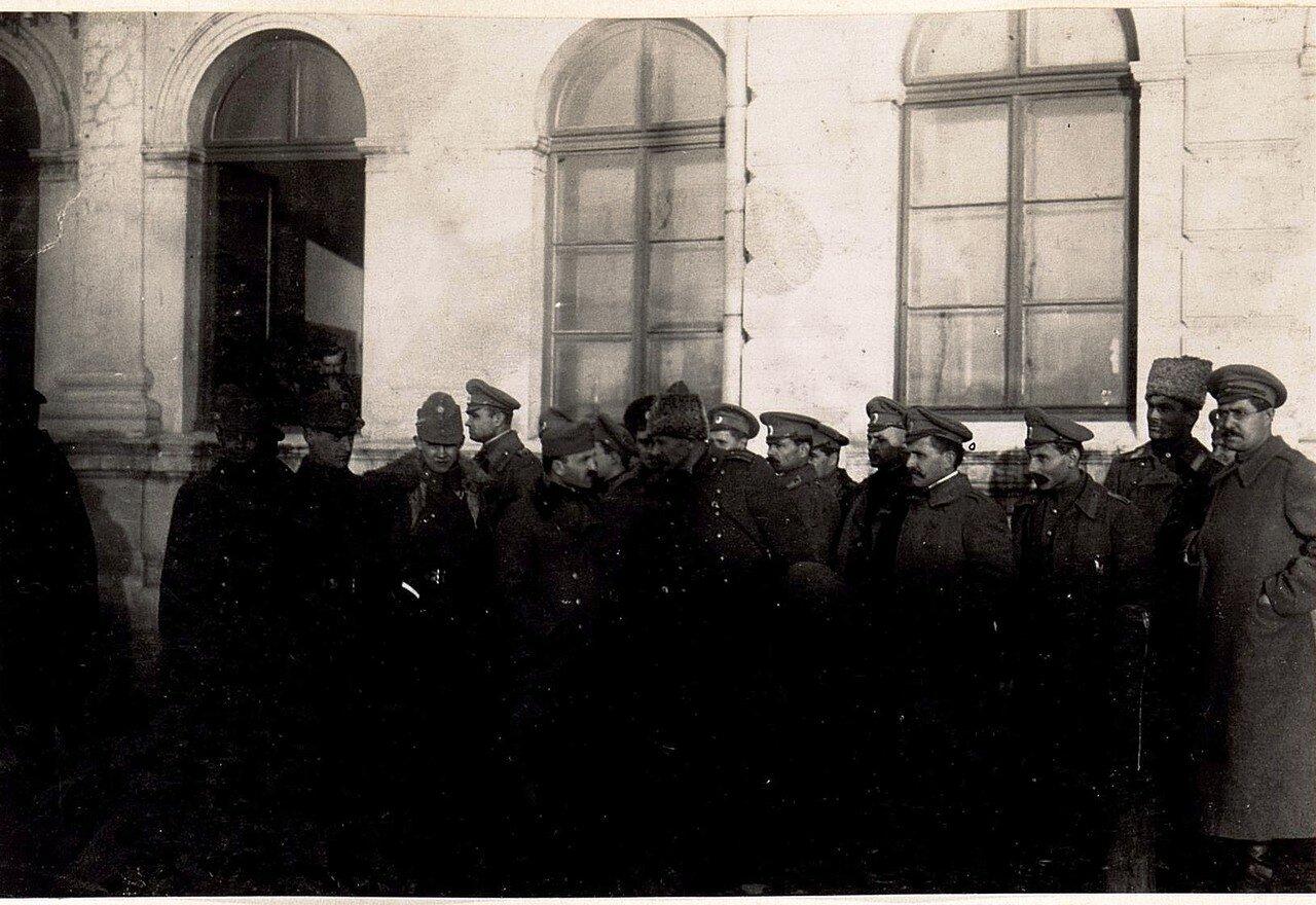 Украинские военные на вокзале Владимира-Волынского