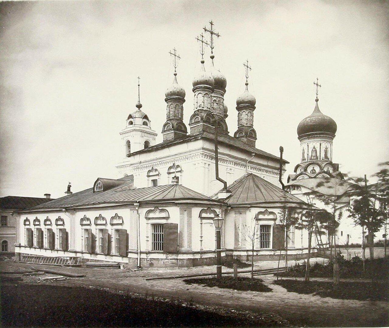 377. Рождественский монастырь (внутренний вид)