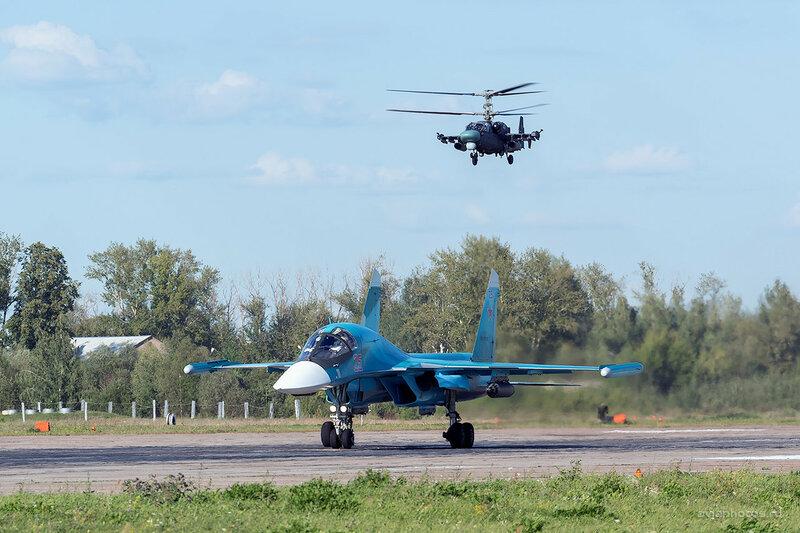 Сухой Су-34 (RF-93816 / 25 красный) D800561