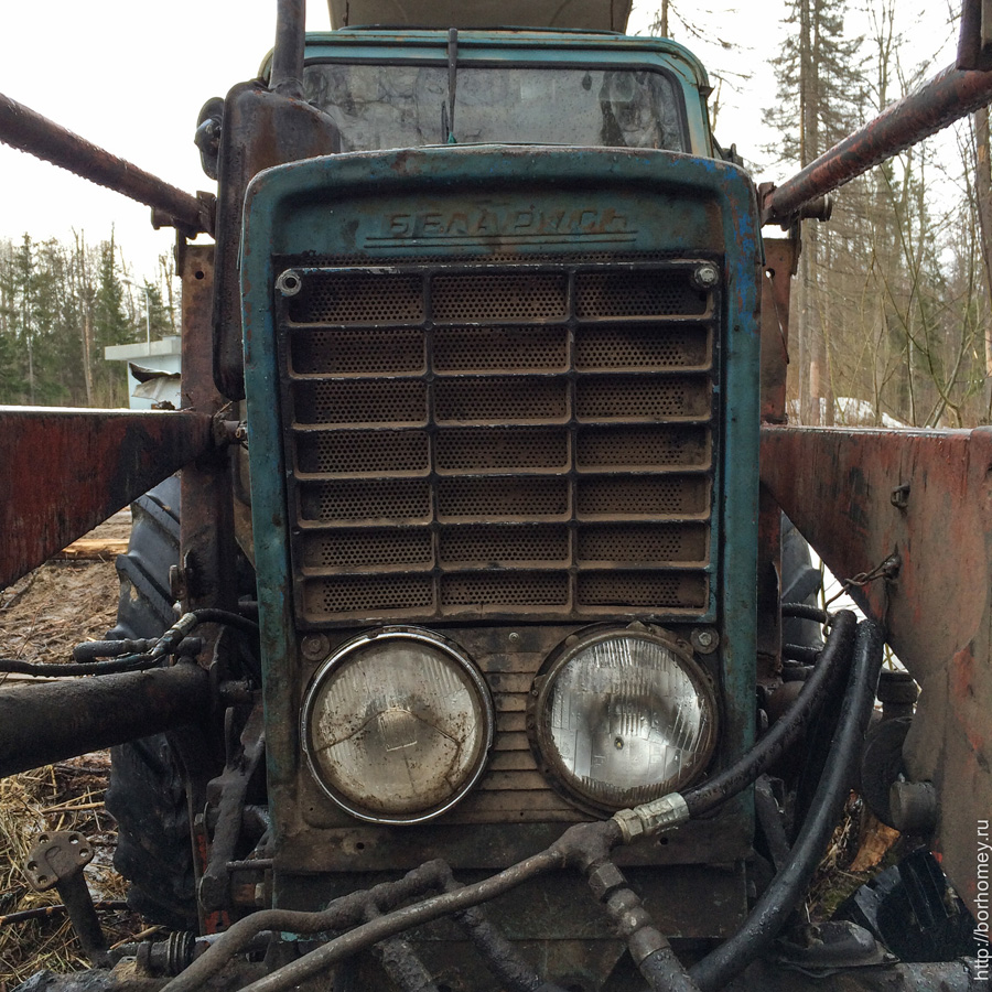 сломался трактор