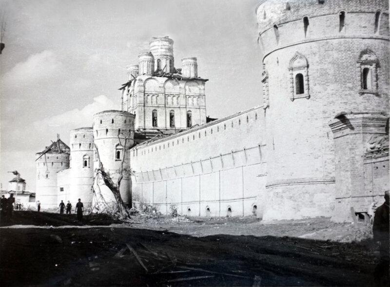 Rostov Kreml_1953.jpg