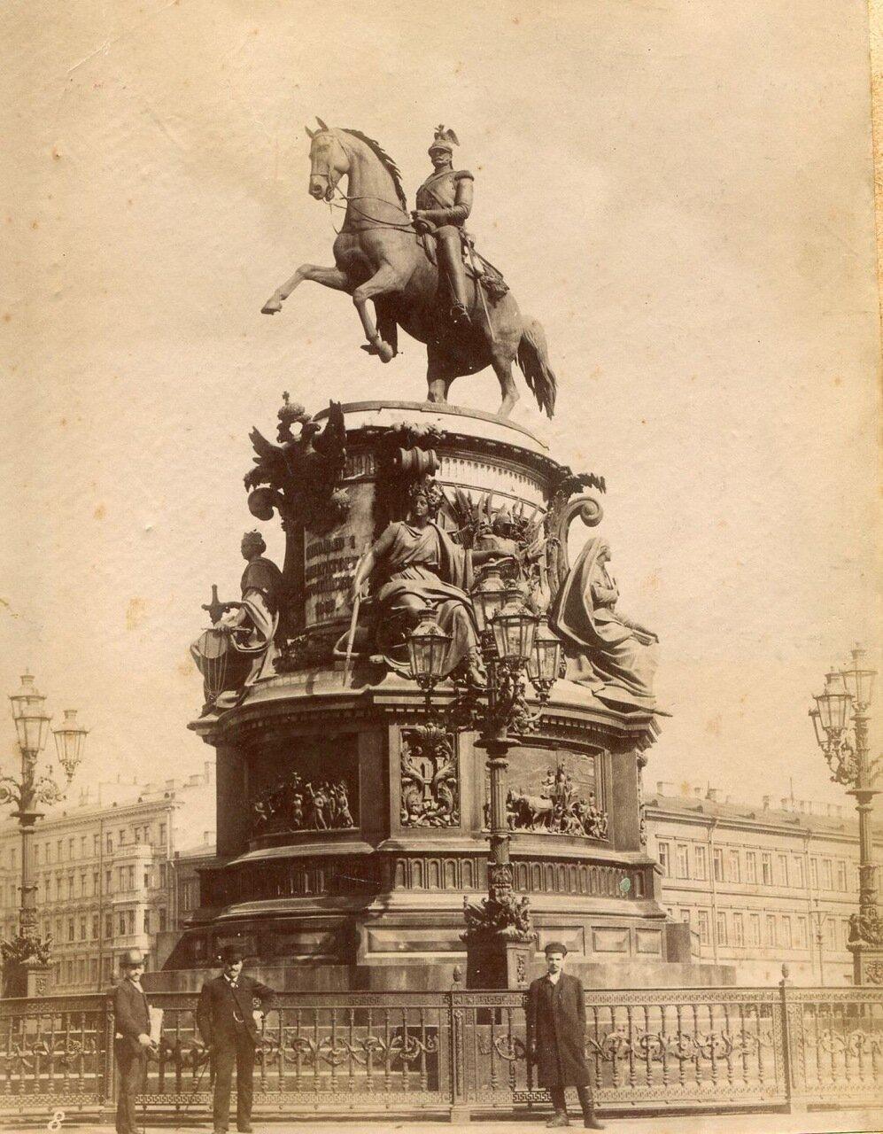 32. Памятник Николаю I