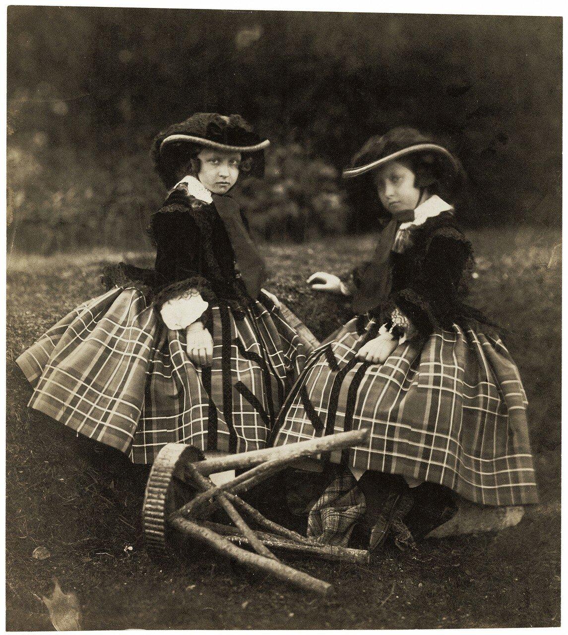 1856. Принцессы Елены и Луиза