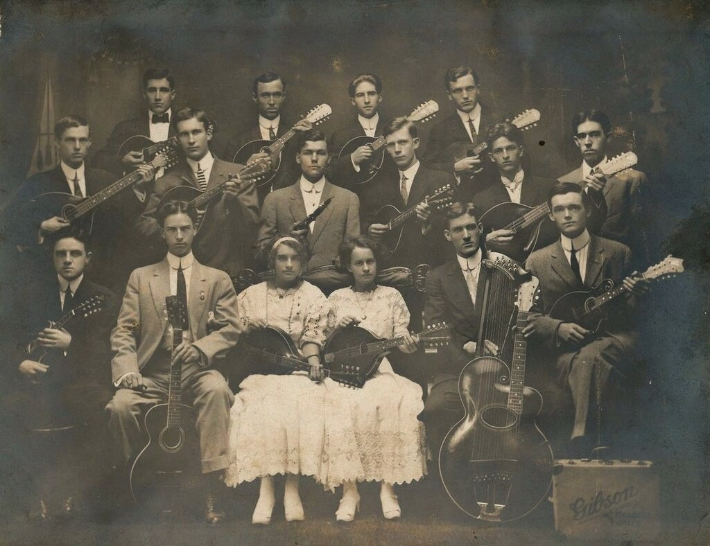 02gibsonorch1920s.jpg