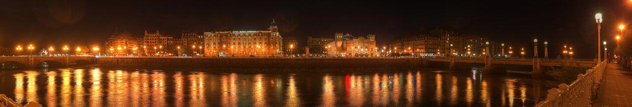Доностия-Сан-Себаcтьян. Набережная республики Аргентина (República Argentina Kalea) ночью (HDR)