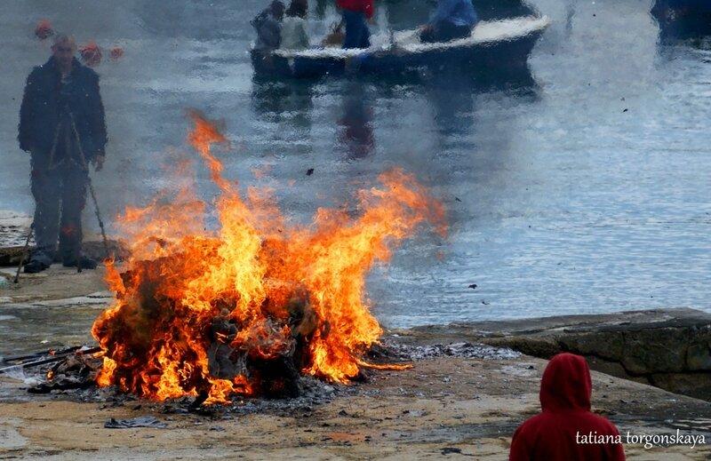 Сожжение карнавальной куклы