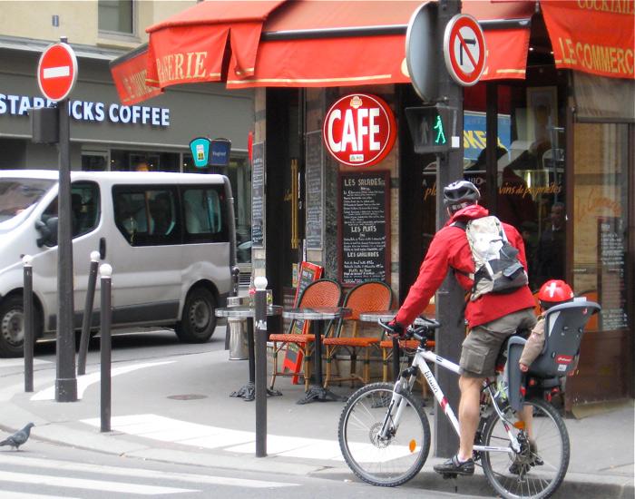 В Париже увеличится количество дорог для велосипедистов