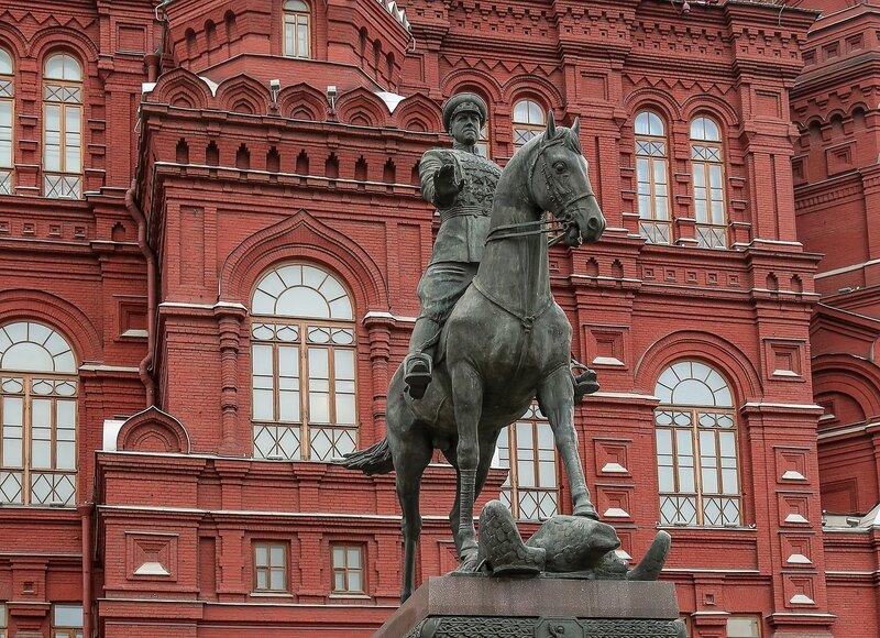 Памятник маршалу Жукову.jpg