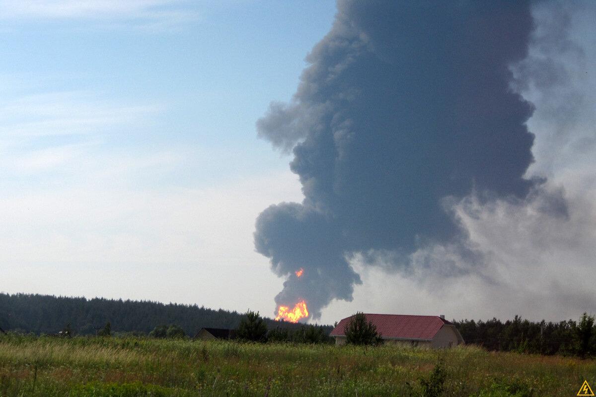 Пожежа на нафтобазі у Василькові
